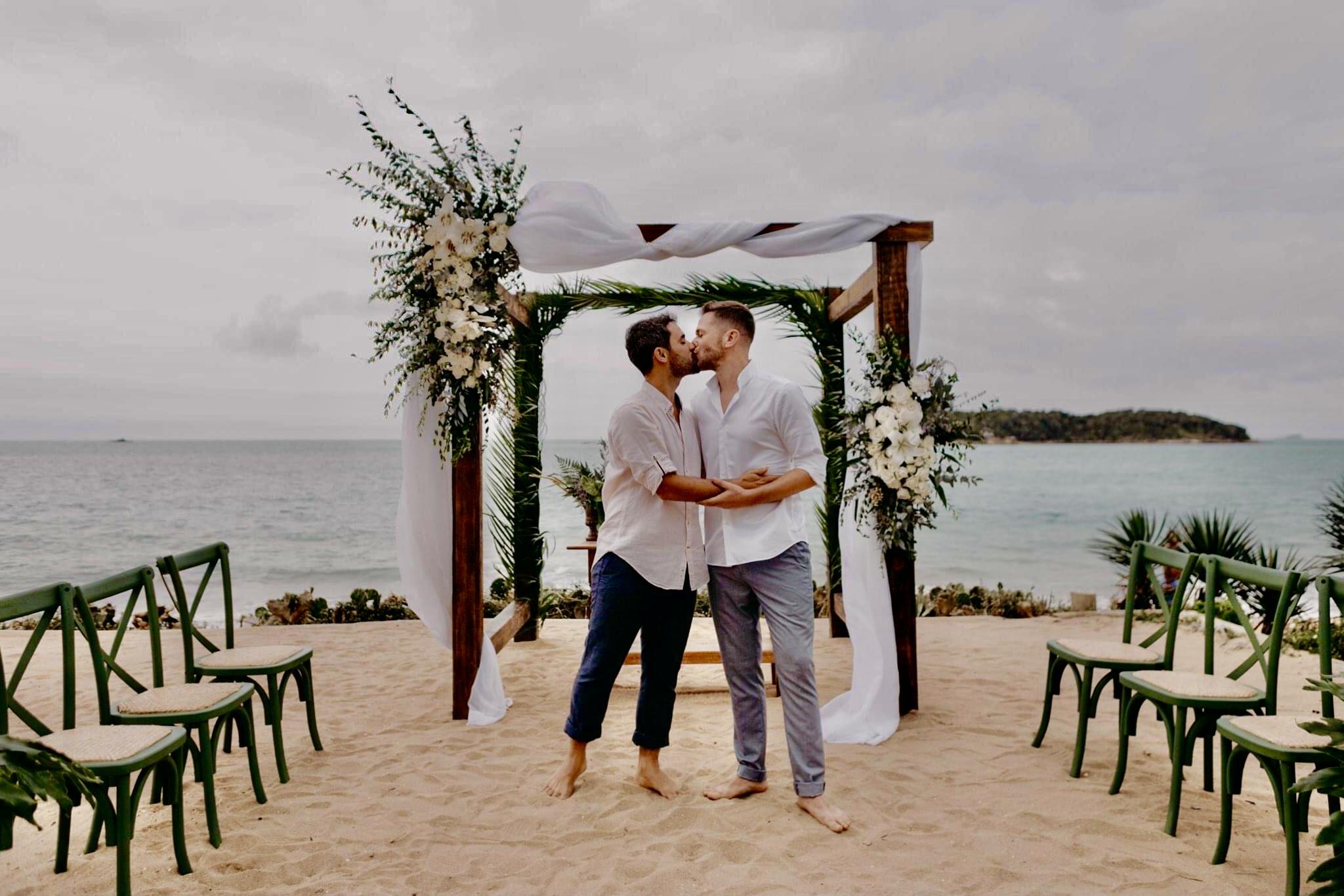 União linda e cheia de significado- Casamento B&A - Búzios- RJ