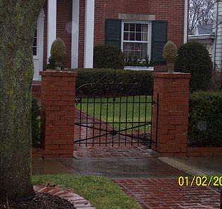 gate111-crop-u3129.jpg