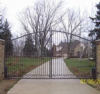 gate2-crop-u4392.jpg