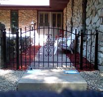 fence110-crop-u3111.jpg