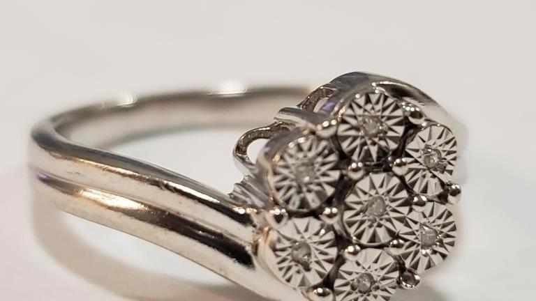 STERLING 7 DIAMOND RING