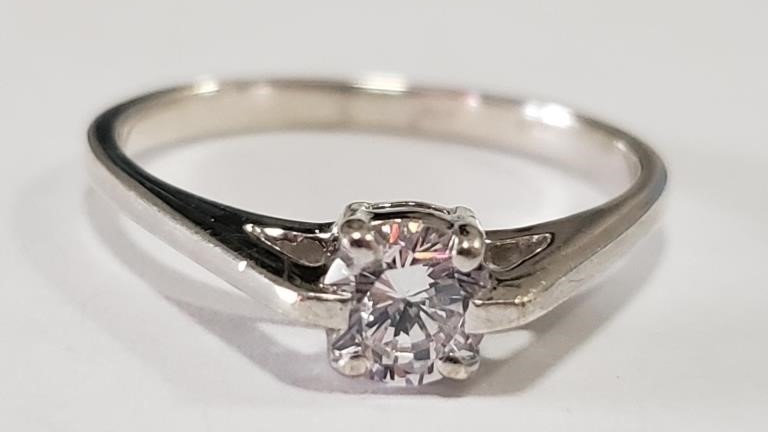 MINIMAL STERLING CZ SOLITAIRE RING