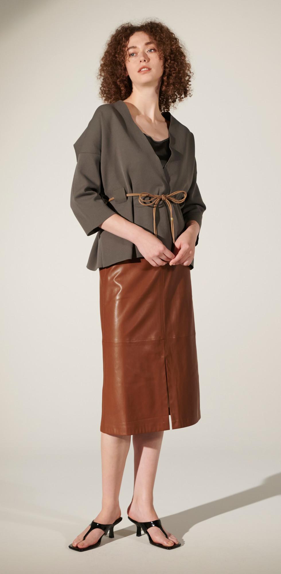 tops R8KN-15 skirt R8K-50-8701