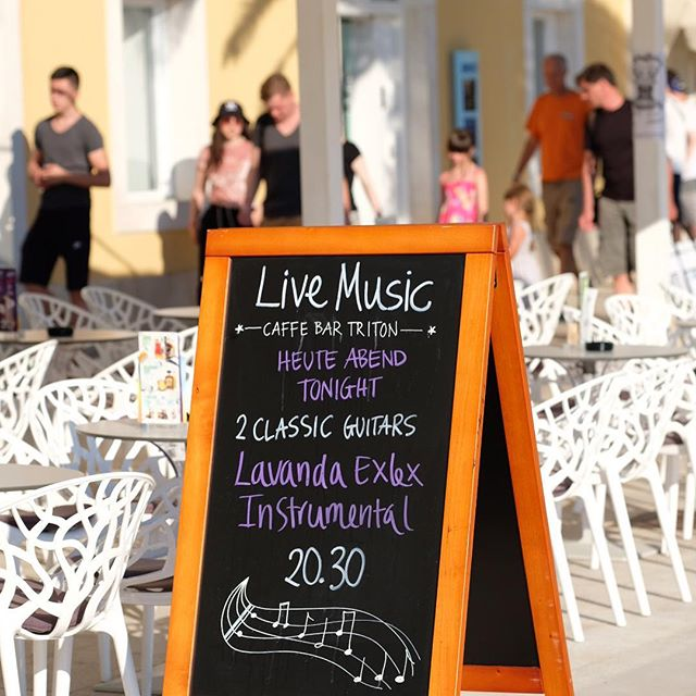 Live music tonight...