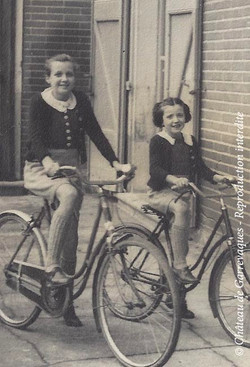 3 - Maded et monique velo cateau 1935