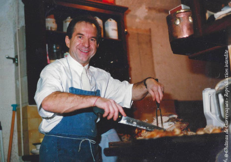 1985 - Claude, mon papa, en cuisine .jpg
