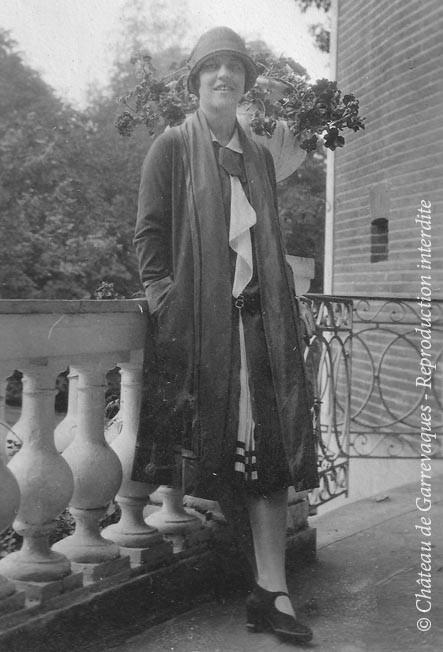 1925 - Odette et sa coupe à la garçonne!