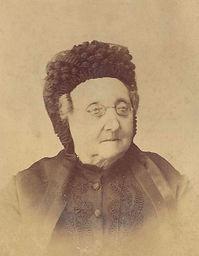Portrait de notre ancêtre Marie de Gineste, épouse de Philippe de Gineste-Najac, issu des archives privées du château de Garrevaques.