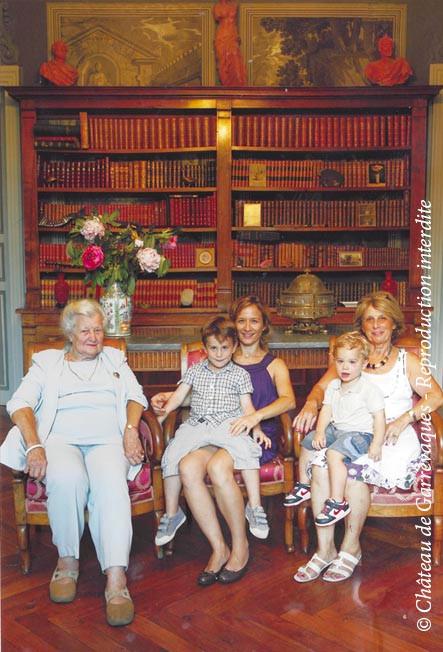 2012 - 4 générations! Ma grand-mère, ma mère, ma soeur et mes neveux