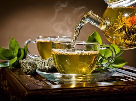 Conheça os chás ou infusões que você deveria beber com mais frequência