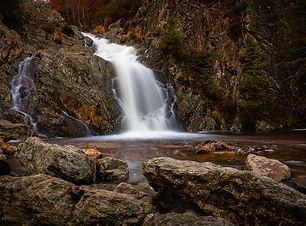 cascade-3940213_1280.jpg