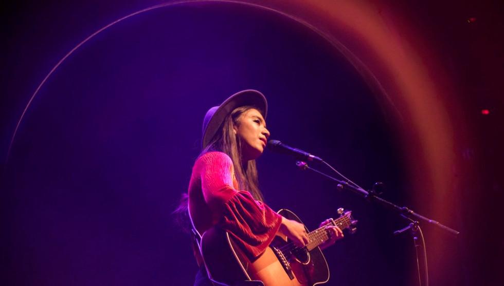 Raye Zaragoza Live Photo - Credit Marlen