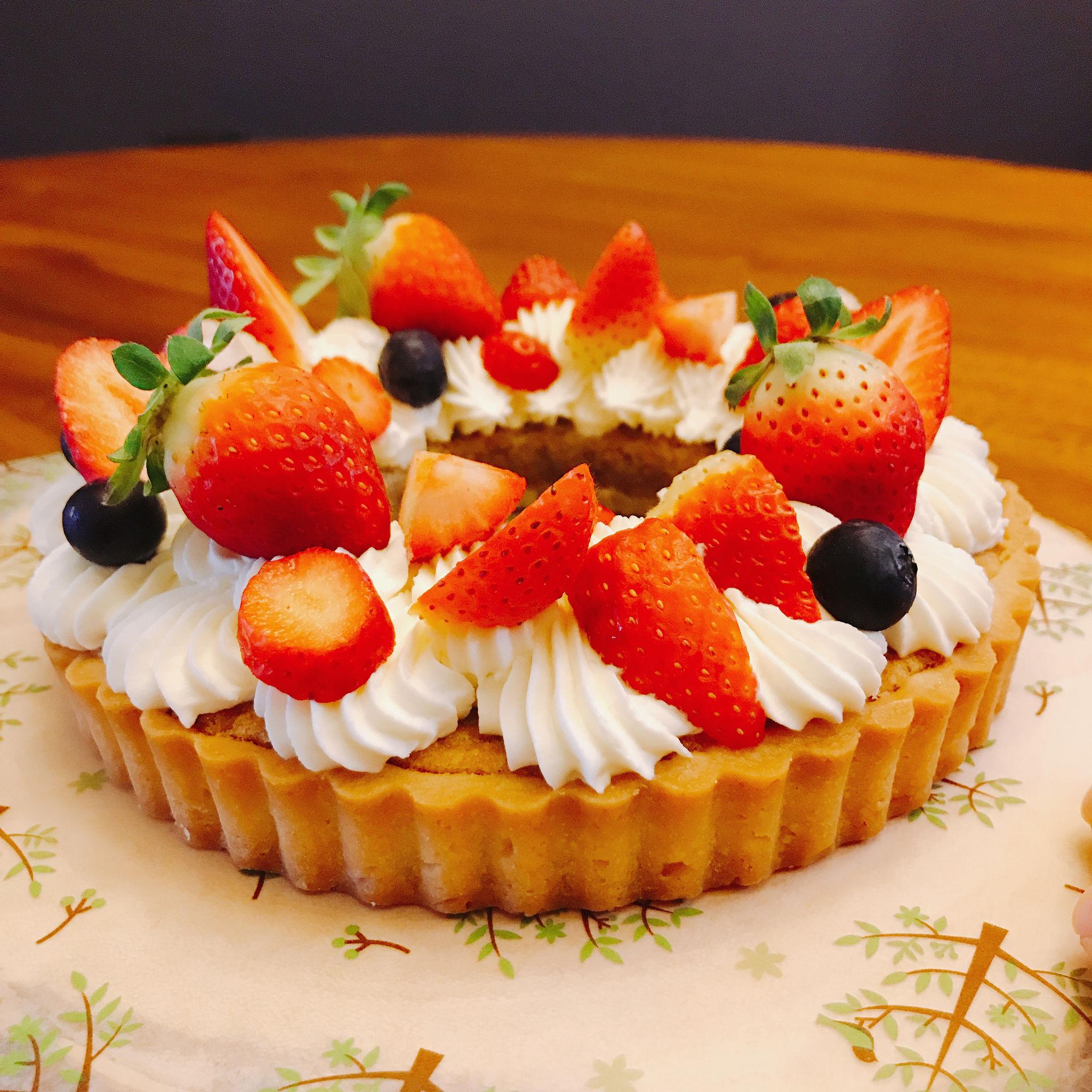繽紛花圈草莓塔   甜點烘焙*派對料理*家庭親子   Bistro Vi