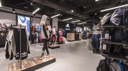 Creativo Baufloor in Adidas shop