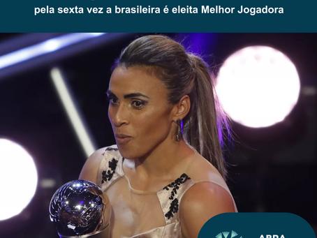 Marta se torna a maior vencedora do prêmio de melhor jogador da FIFA entre homens e mulheres.