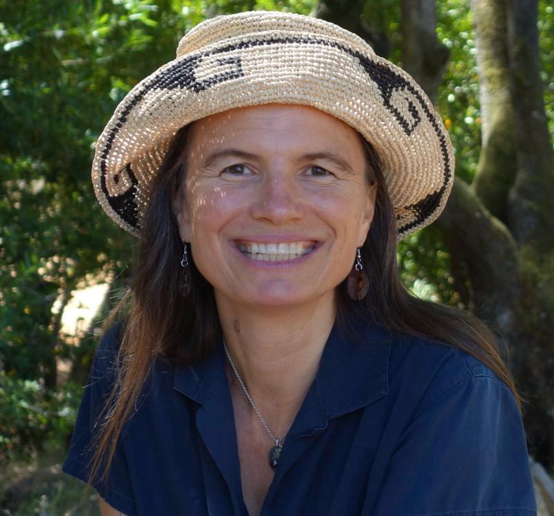 Melissa K. Nelson von Arizona State University, Mitglied des Anishinaabe-Stammes setzt sich für Wir-Ökonomie und Communities
