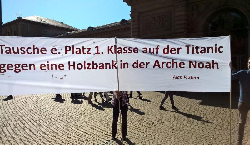 Foto aus Mainz, Sommer 2019, bei einer Umwelt-Demo