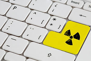 Die behördlichen Vorgaben zum Umgang mit radioaktiven Stoffen sind streng geregelt. Wir kümmern uns um eine rechtzeitige Kontaktaufnahme mit Ihrer zuständigen Aufsichtsbehörde, um einen problemlosen Abbau Ihres Beschleunigers zu gewährleisten.