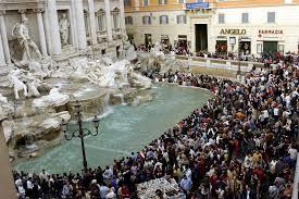 Fontana di Trevi crowdiada