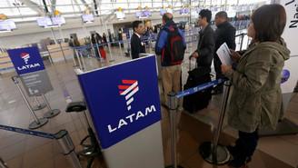 Latam lança tarifas de despacho e serviço de bordo pago