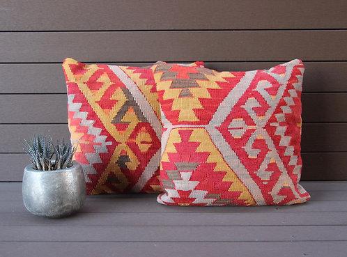 Elza Kilim Pillow Duo