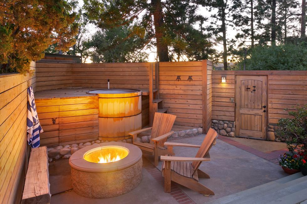 firepit-hot tub full.jpg