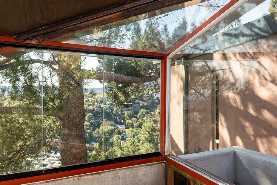 kitchen corner window detail web.jpg