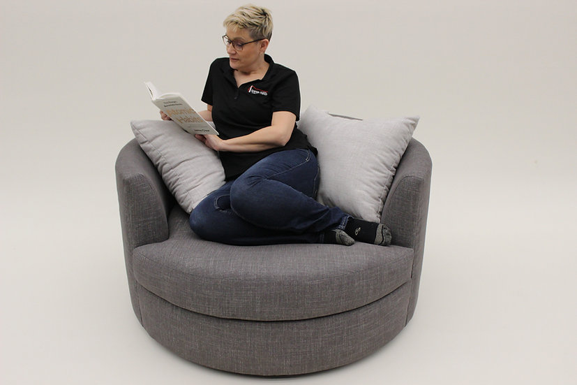 Nestle Chair by Vangogh Design