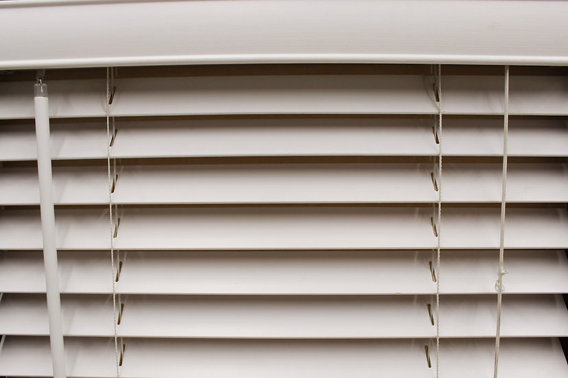 2 inch Bass Wood Blinds, Color Bianco