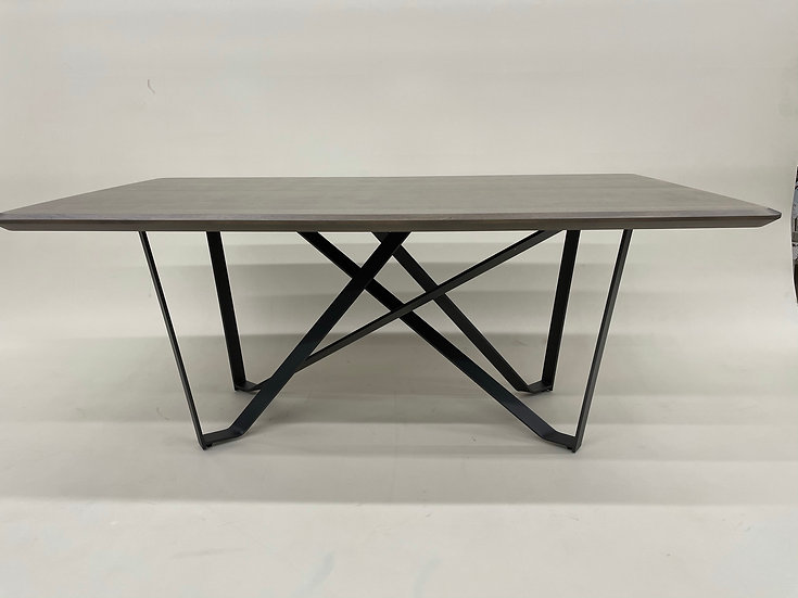 Crown Dining Table by Trica