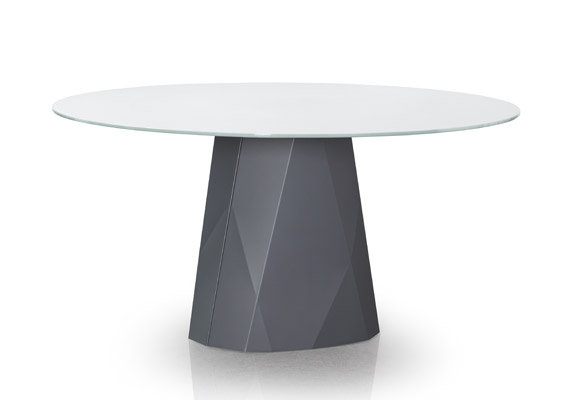 Diamond dining table by TRICA