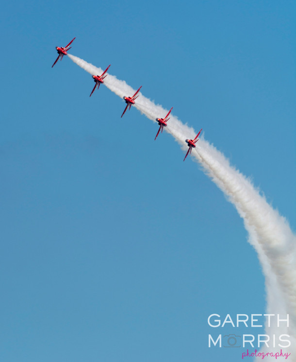 Red arrows 3.jpg