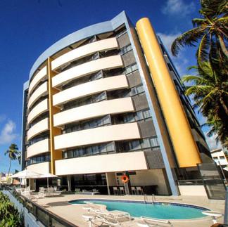 Fotos da Faxada do Hotel com Piscina.jpg