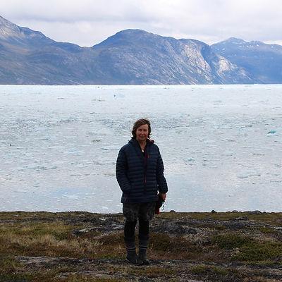 18 Rebecca Hayter at Kangersuneq Fjord.jpg
