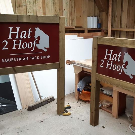 Hat 2 Hoof