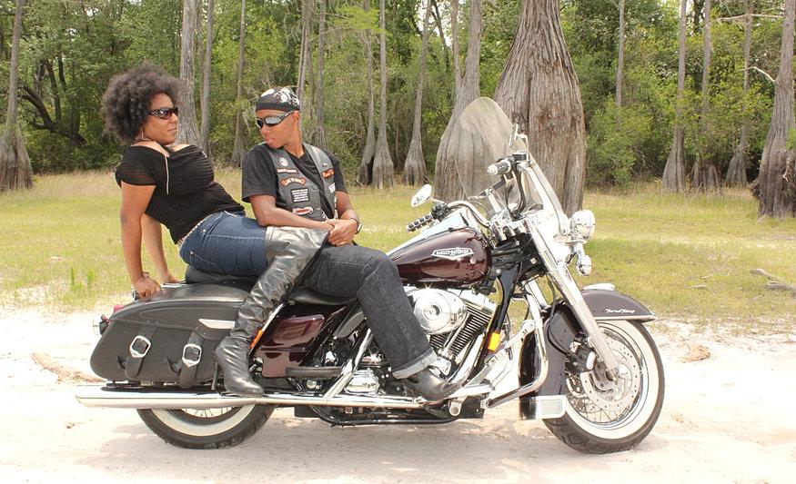 Motorcycle Lesbians 97