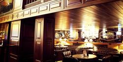 vitrina_vistavochnaya_stend_magazin_bar_restoran_kommercheskaya_butique_reseption_office_gostinitsa_