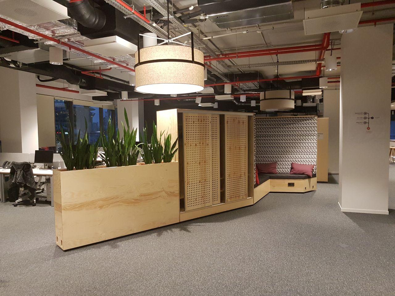 Офисная мебель из фанеры стильная