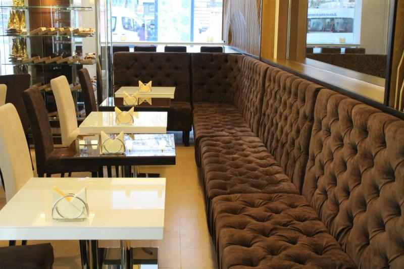 office_restoran_bar_kabinet_otel_gostinitsa_peregovornaya_zal_conferevce_italya_miagkaya_mebel_kozha