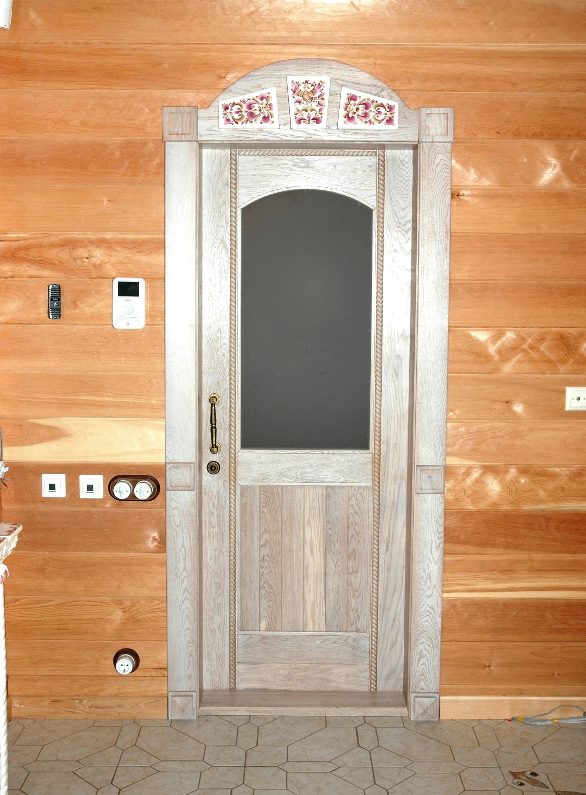Дверь межкомнатная из массива