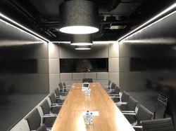 Переговорный стол орех дуб дизайн