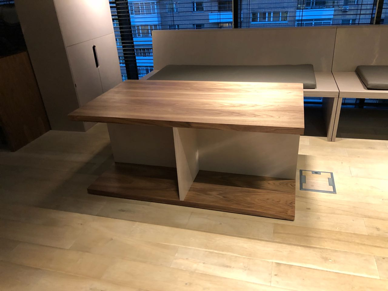Кофейный стол-3