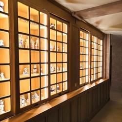 Встроенные шкафы с подсветкой купе