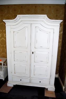 Шкаф вещевой для спальни