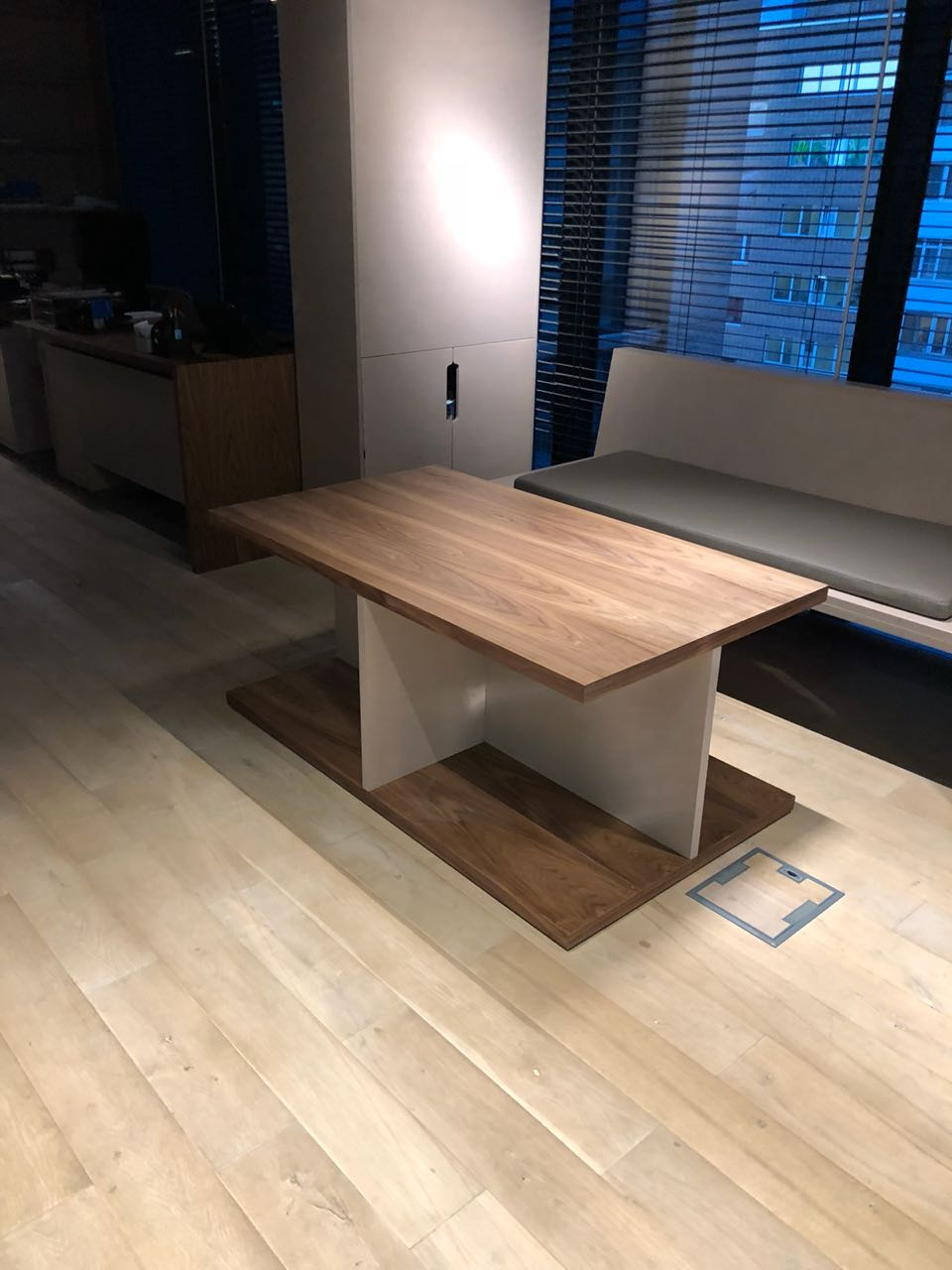Кофейный стол-1