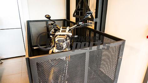 Ascensor motos.jpg
