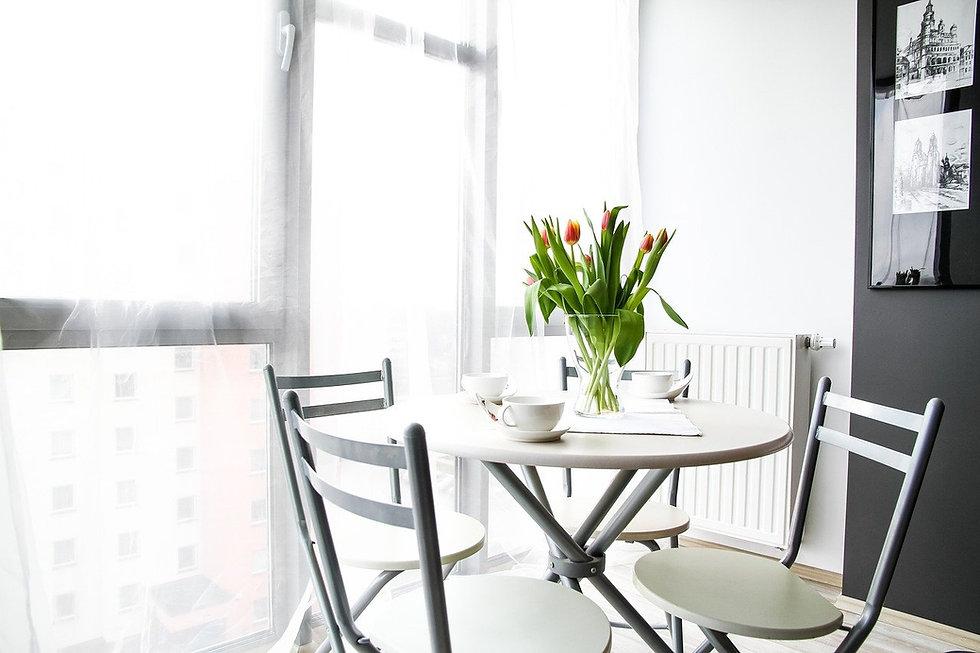 apartment-2094699_1280.jpg