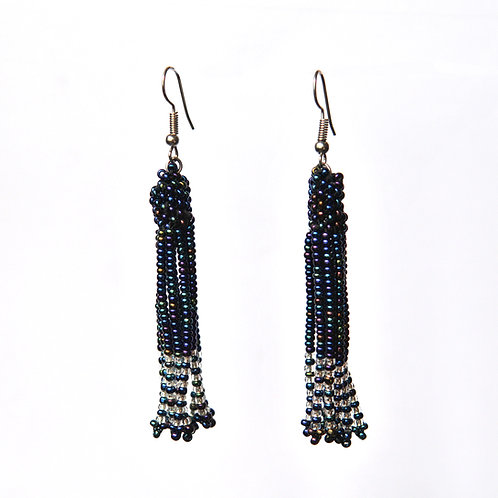 肯亞流蘇耳環 Kenyan Dangle Earrings (Black & White)