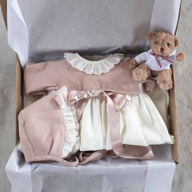 Regalo bebé faldón rosa
