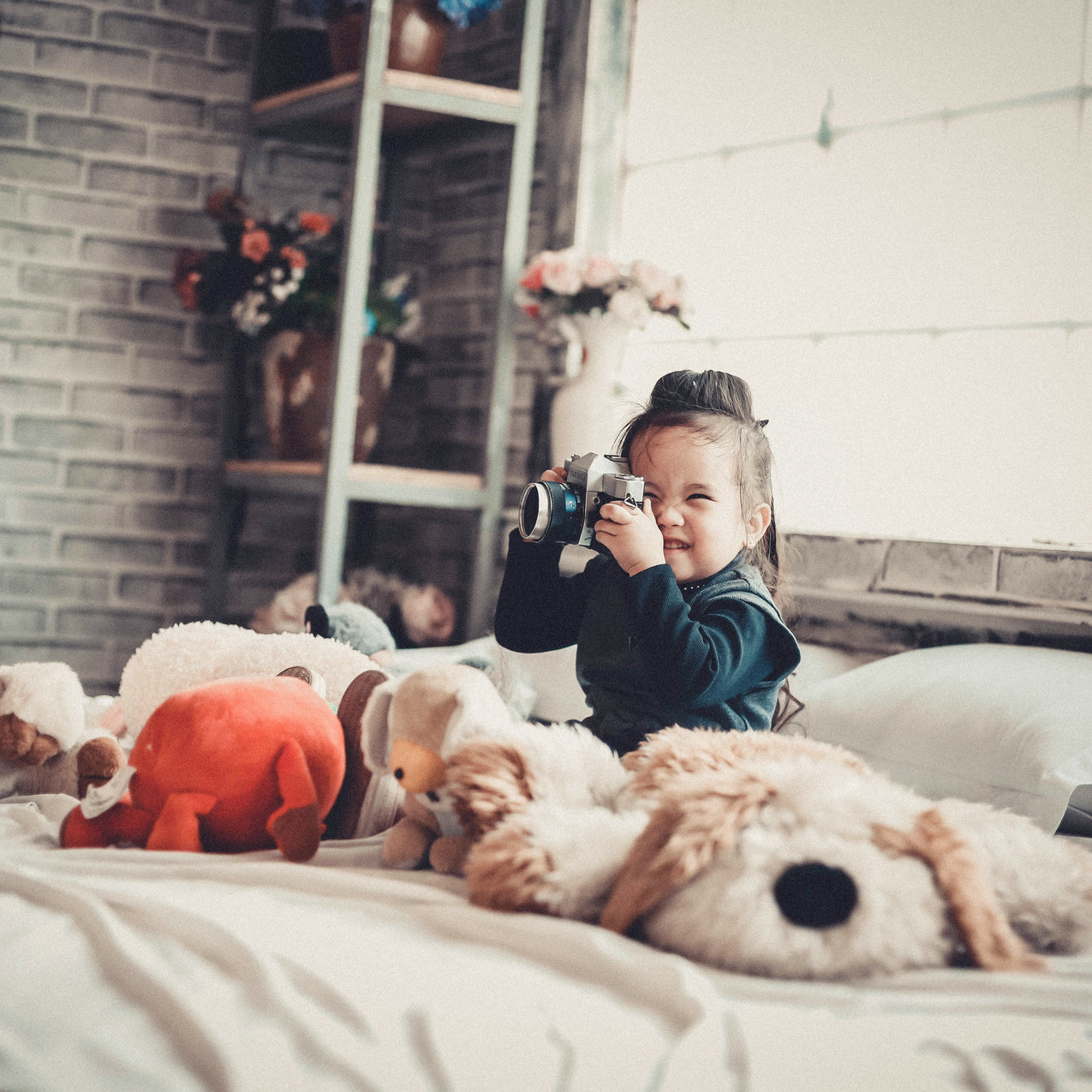 adorable-asian-children-bed-860538